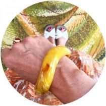 Vintage yellow bangle on Kate Beavis blog