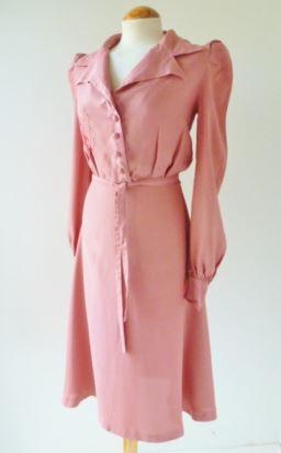 vintage 1970s does 1940s dress