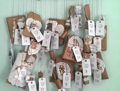 Vintage Styling Tips - Advent Calendar - presents on string via Your Vintage Life by Kate Beavis