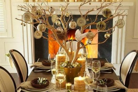 Vintage Styling Tips -christmas dinner table - bauble tree via Your Vintage Life by Kate Beavis