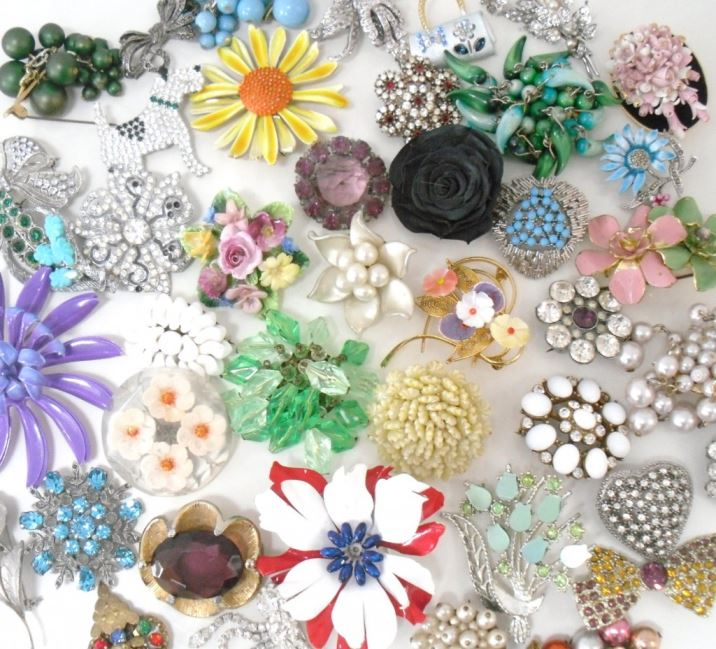 vintage brooches by Kate Beavis