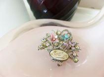 Vintage 1950s Mother brooch from Kate Beavis