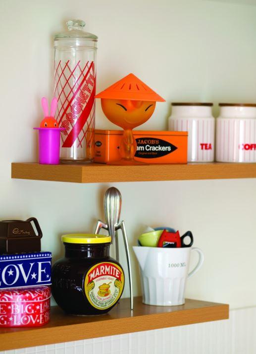 1980s vintage retro kitchen by Kate Beavis Vintage Home (photo by Simon Whitmore for FW Media)