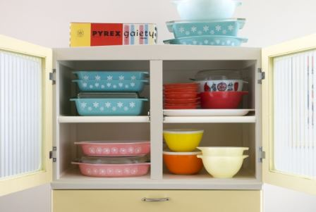 Vintage kitchen pyrex by Kate Beavis Vintage Home (photo by Simon Whitmore for FW Media)