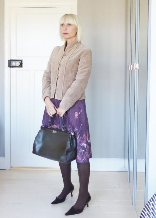 Vintage autumn dress with Peter Kaiser shoes and Monsoon jacket worn by Kate Beavis on her vintage blog