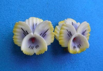 Vintage Mothers Day earrings ideas on Kate Beavis Vintage Home blog