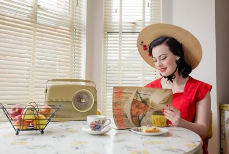 1950s vintage fashion as photographed by Mark Newton as featured on Kate Beavis Vintage Home blog (for Festival of Vintage)
