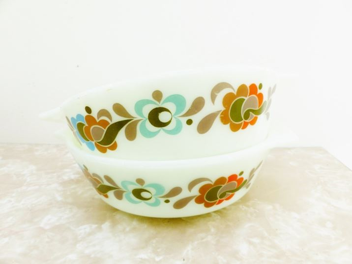 Vintage Carnaby Pyrex as featured on Kate Beavis Vintage Blog