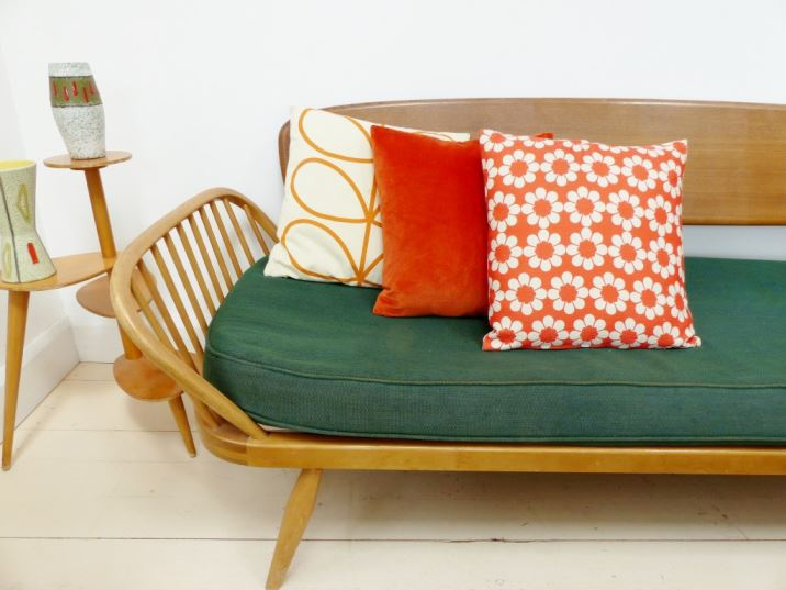3 simple ways to style your cushions by Kate Beavis