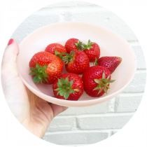 strawberries in vintage Tupperware