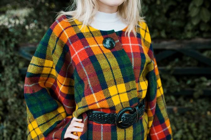 DIY Tutorial: How to Make a Vintage Blanket Cape by Kate Beavis