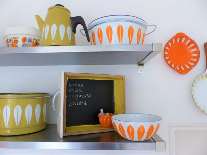 DIY Tutorial: A Kitchen Drawer Blackboard upcycled craft project by Kate Beavis