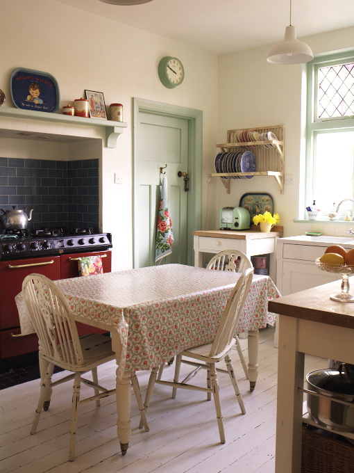 10 key pieces for your vintage 1930s & 1940s kitchen
