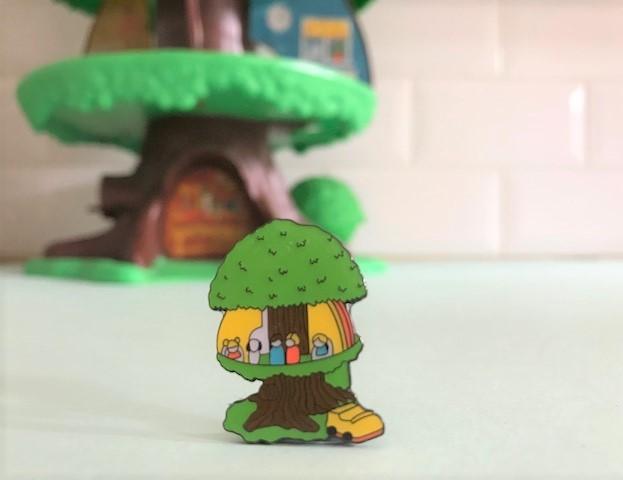Vintage Pin Club tree house toy