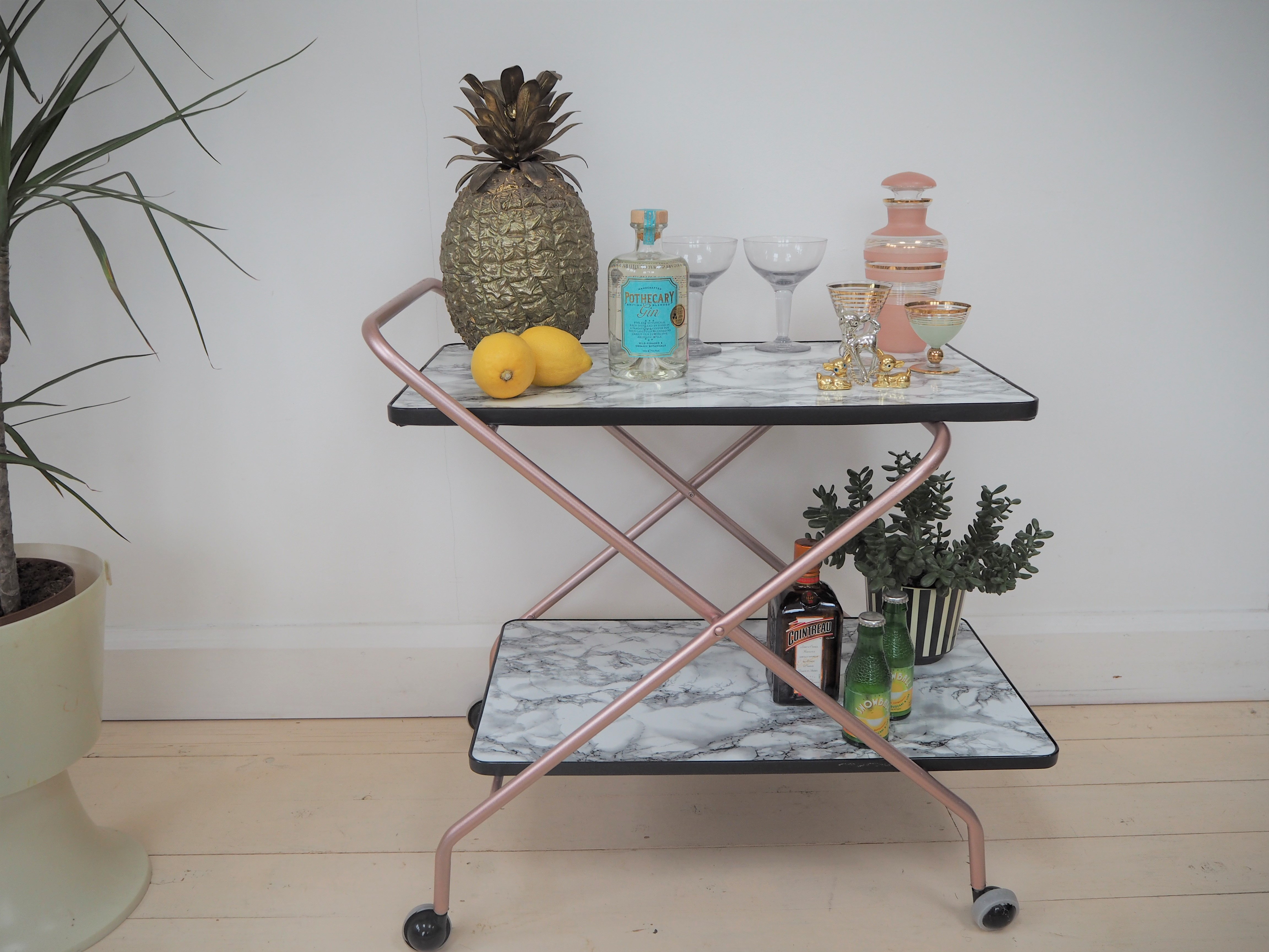 How to make an upcycled marble and rose gold drinks trolley