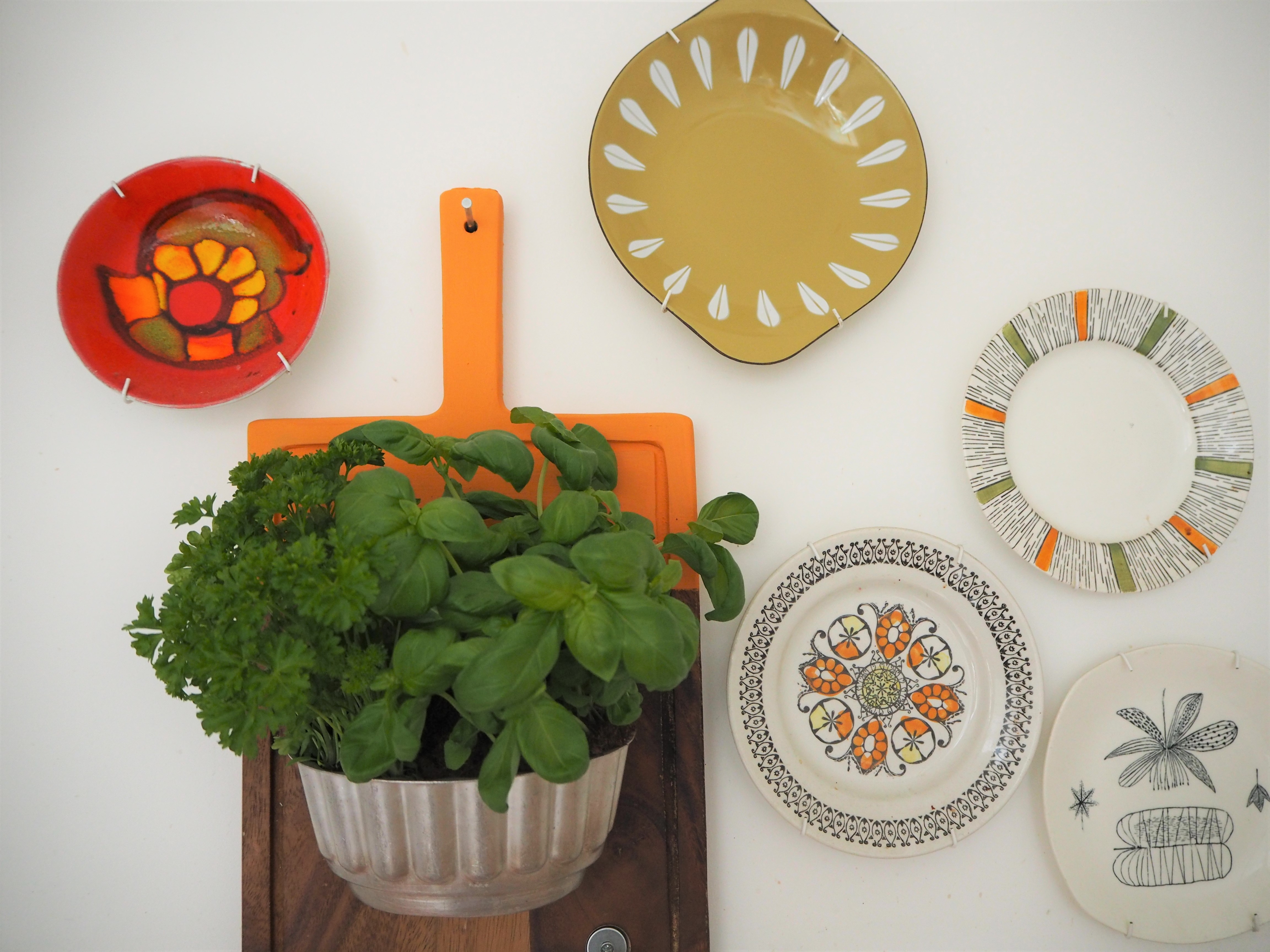 How to make an upcycled chopping board herb planter