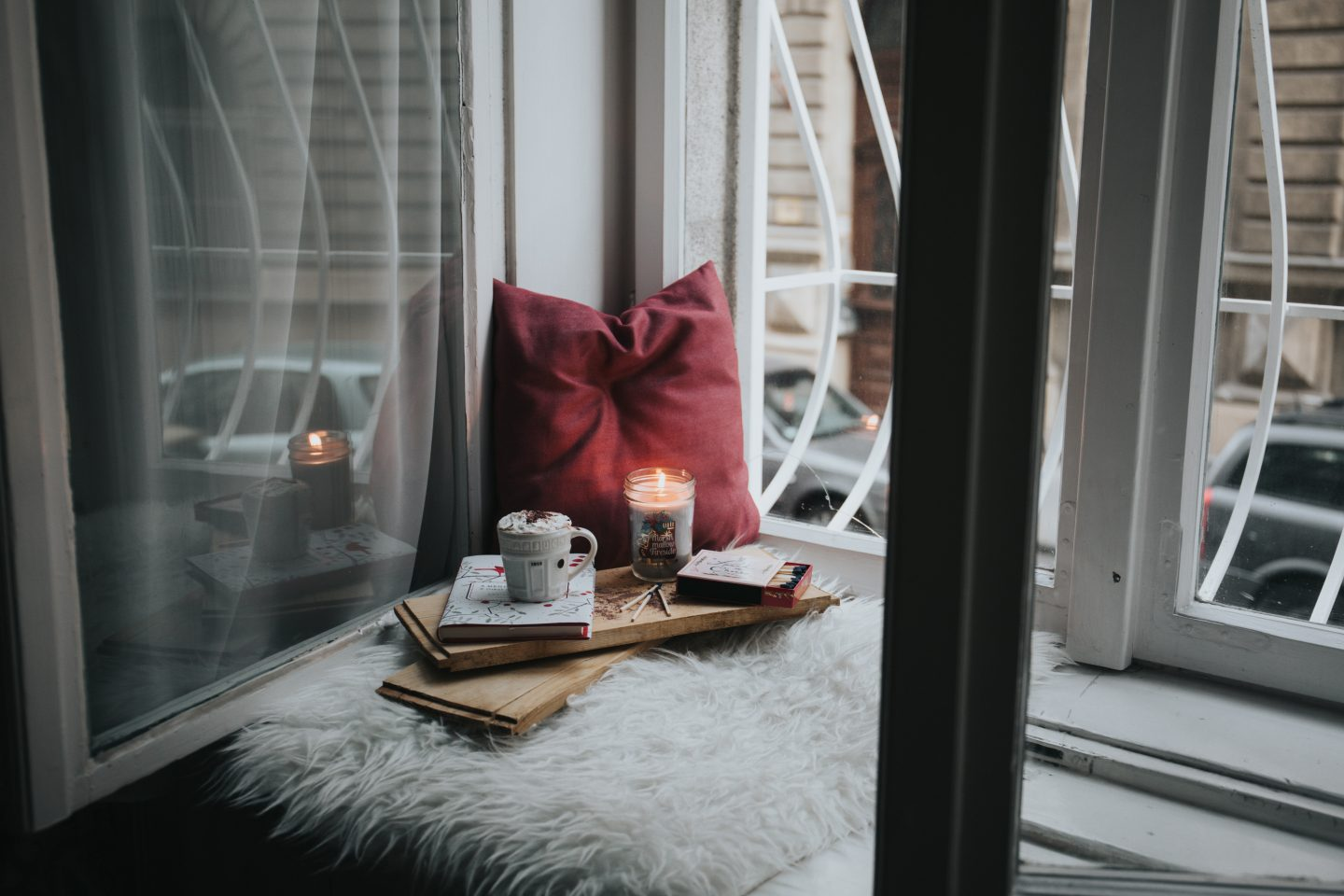5 simple ways to create a cosy house home this Winter -